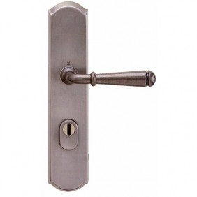 Poignées de porte sur plaques de sécurité - renforcée - Esprit de forge BOUVET