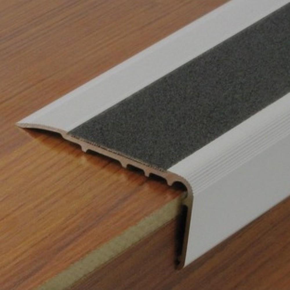 Antidérapant Pour Escalier En Bois nez de marche en aluminium avec bande antidérapante protectrice dinac sur  bricozor