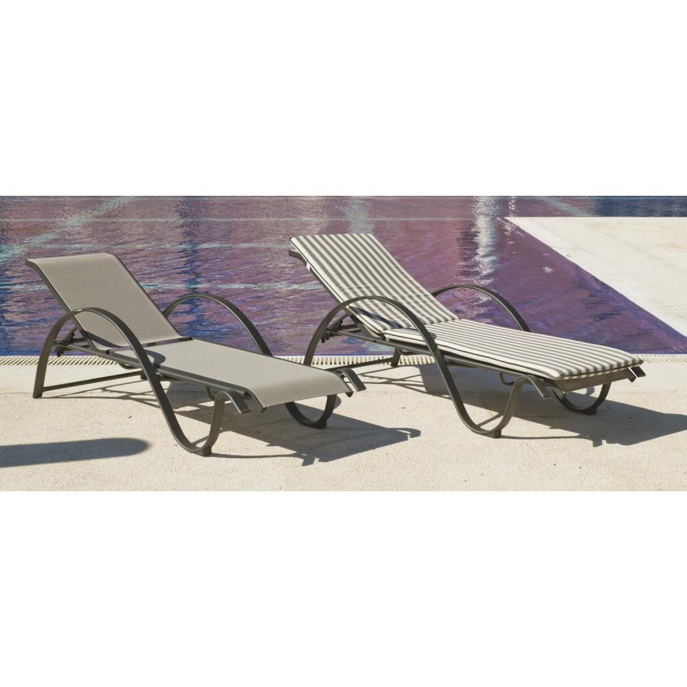 Chaise longue empilable avec coussin textil ne ray gris for Chaise longue textilene