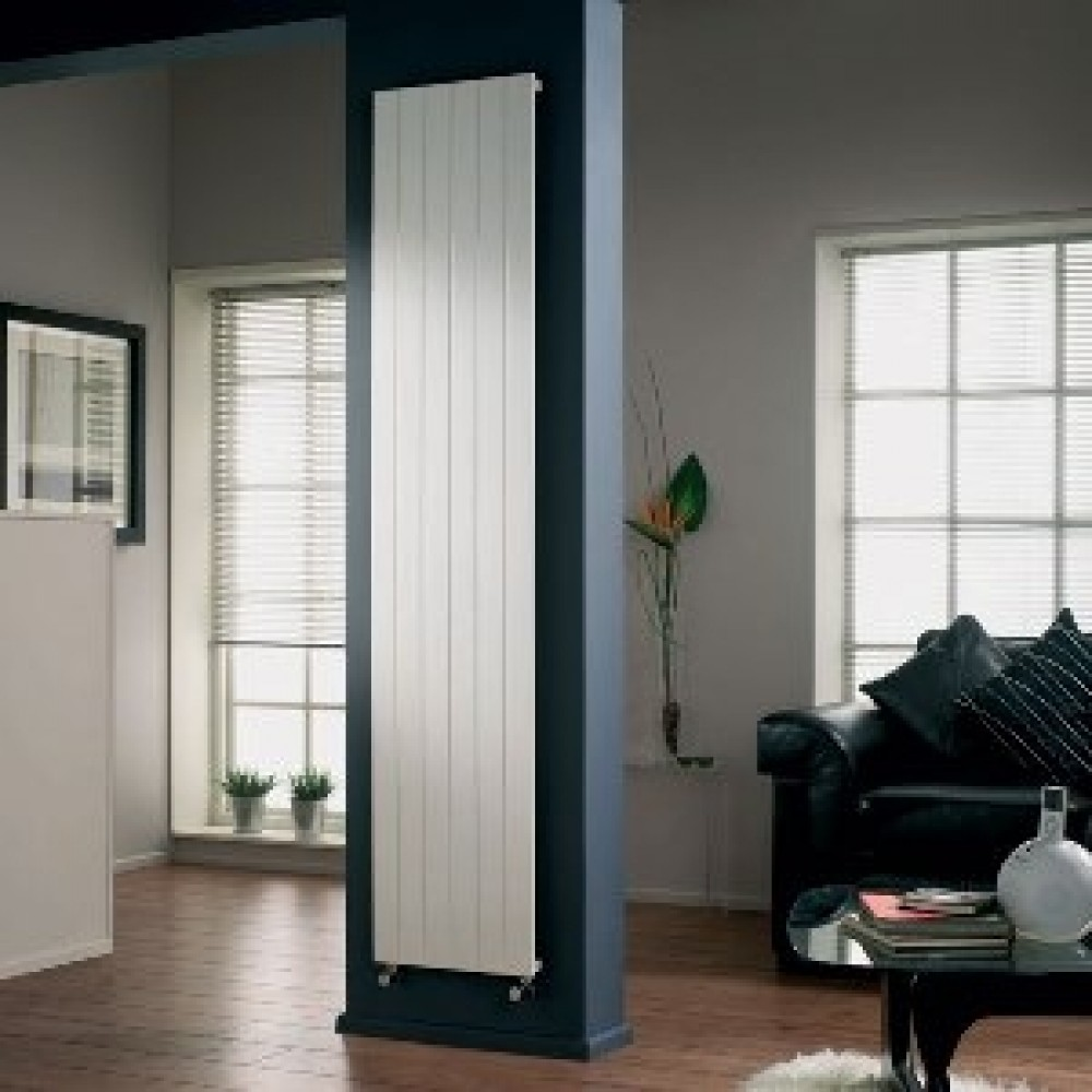 radiateur chauffage central vertical simple slieve v11 bricozor. Black Bedroom Furniture Sets. Home Design Ideas