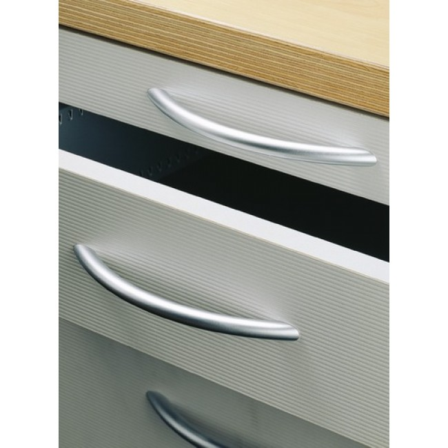 Poignées courbes acier Nicia-entraxe 96 mm